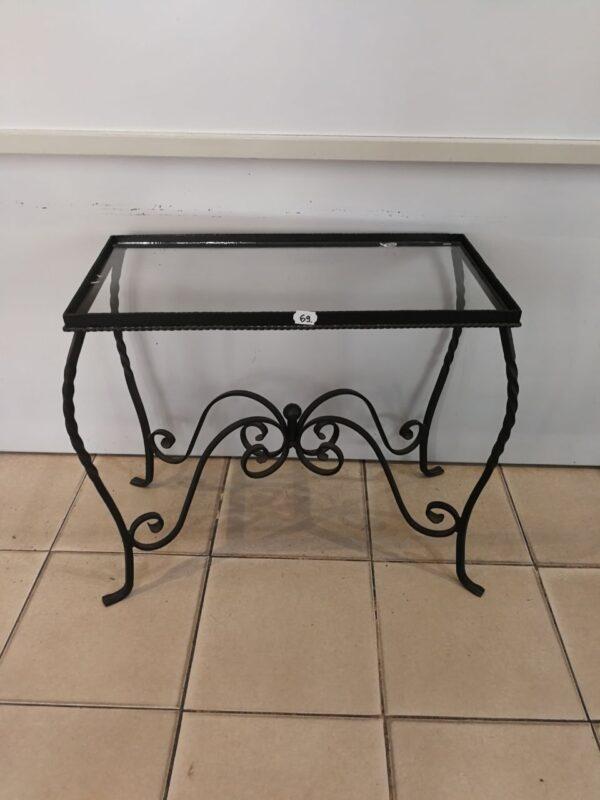 Asztal 61